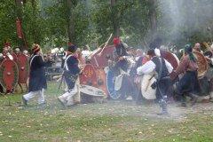 Combats. Les napoléoniens s'escriment avec les gaulois ambiens