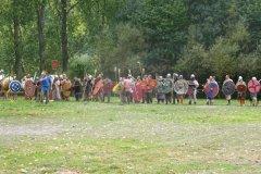 Arrivée des guerriers. Les combats opposaient les périodes antiques et médiévales (des grecs anciens aux féodaux) aux périodes modernes et contemporaines (des mousquetaires aux poilus).